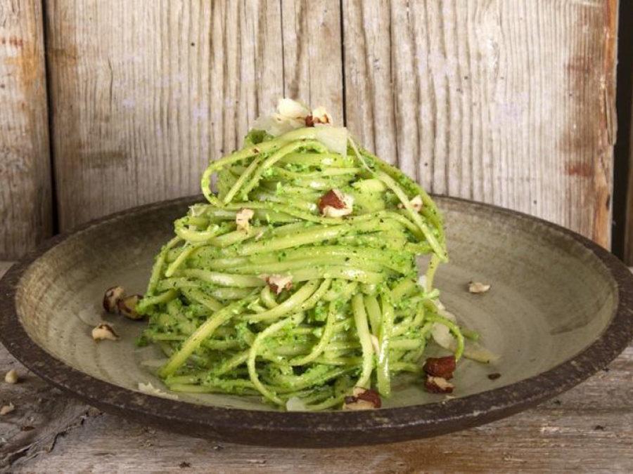 Pasta al pesto di broccoli e pancetta